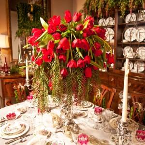 Christmas Tablescape Flowers