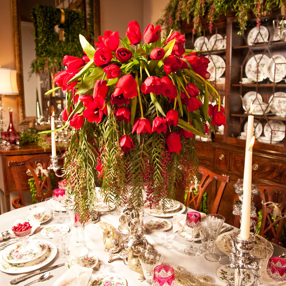 Christmas Tablescape Flowers
